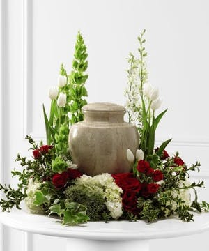 Red, White and Green Cremation Arrangement