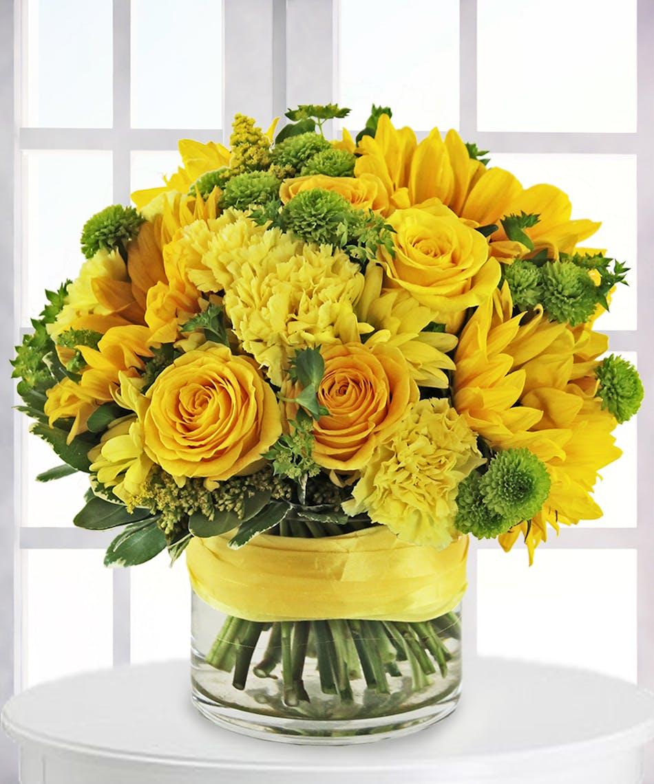 Sunny Celebrations Bouquet: Bright Yellow Bouquet - Veldkamp\'s ...
